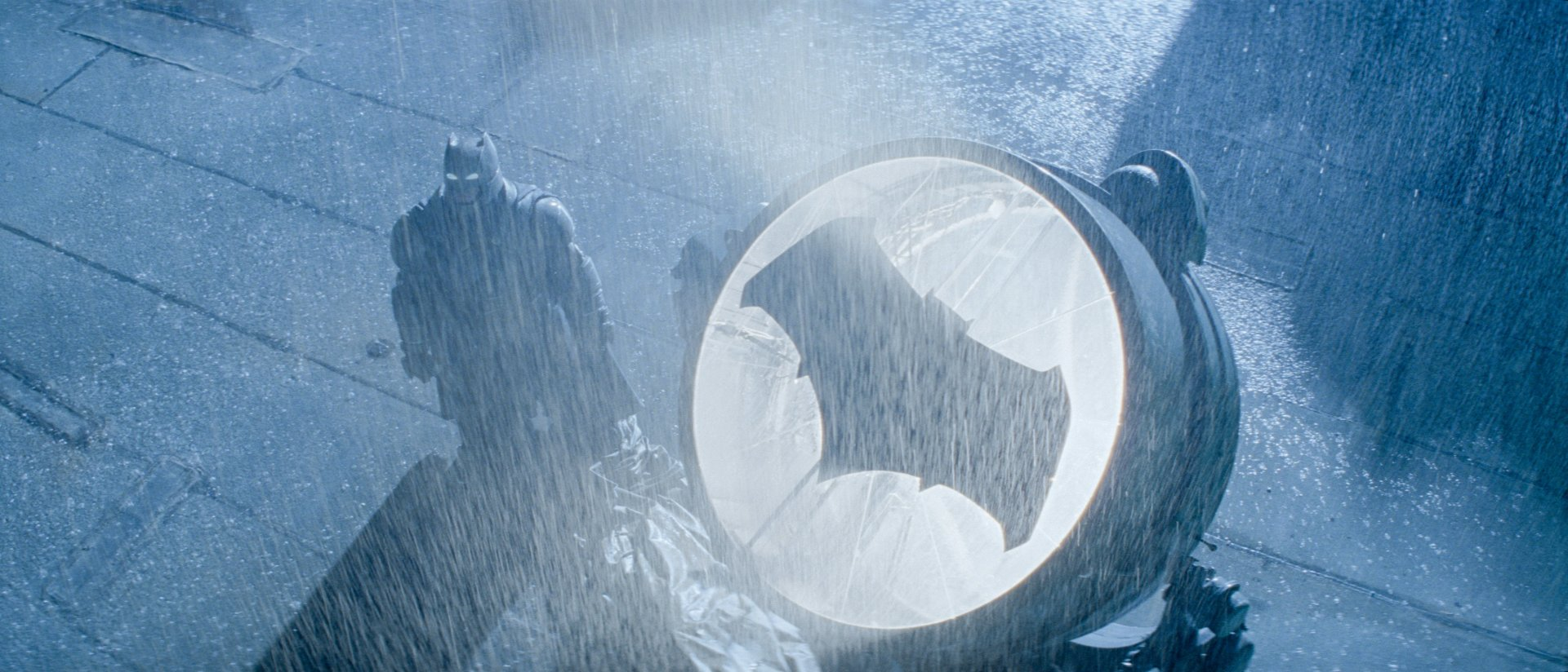 Movie - Batman v Superman: Dawn of Justice  Batman Bat-Signal Wallpaper