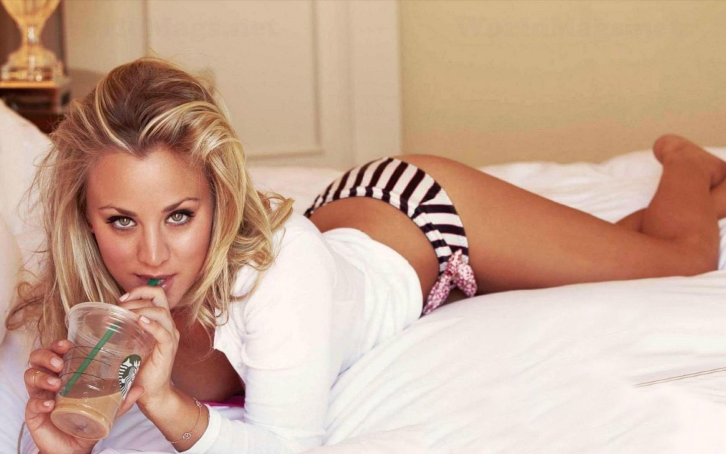 125 kaley cuoco hd wallpapers | background images - wallpaper abyss