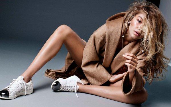 Celebrity Gigi Hadid Models United States Model American Blonde Green Eyes HD Wallpaper | Background Image