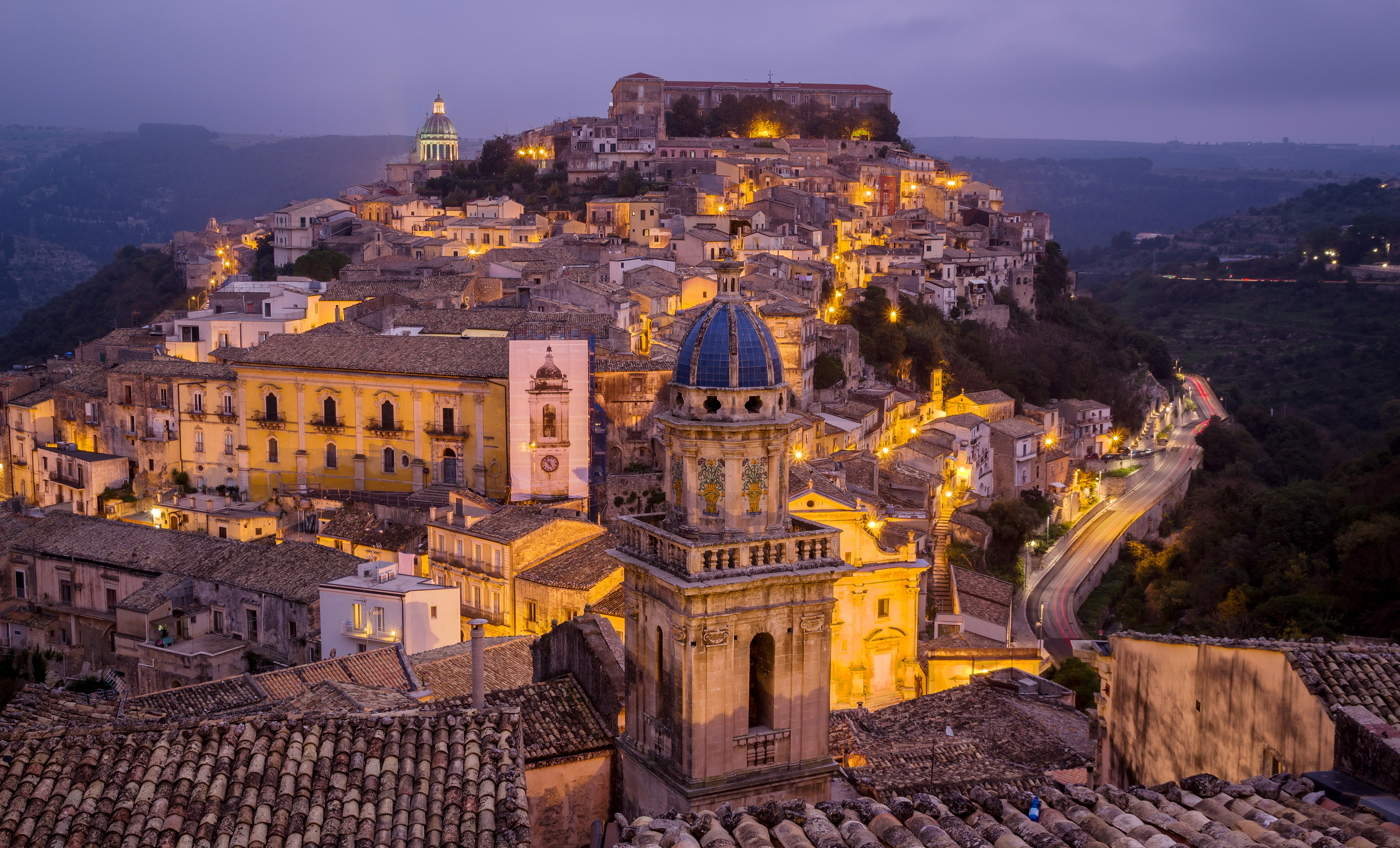 Town in sicily italy at night 4k ultra hd wallpaper and - Italy screensaver ...