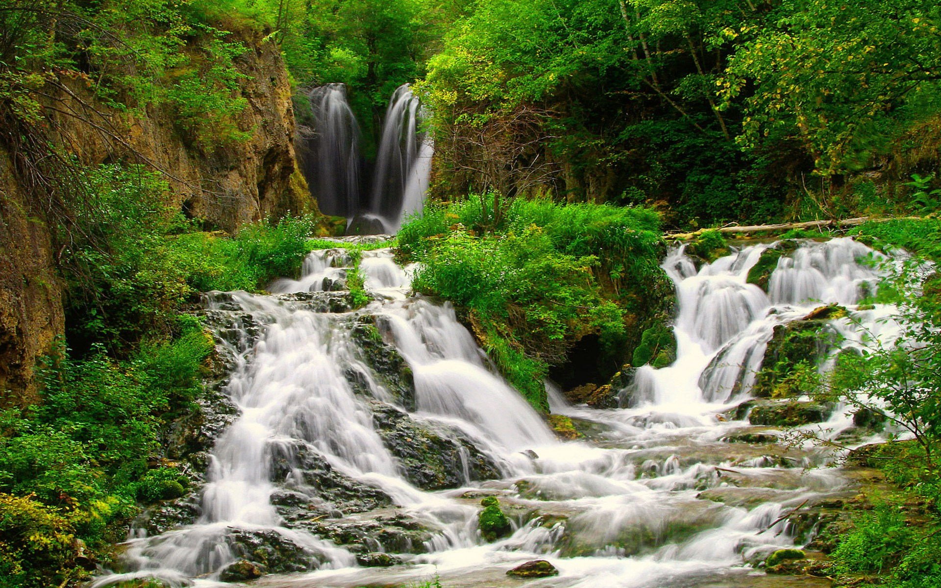 Waterfalls in green forest full hd wallpaper and for Pictures of small waterfalls