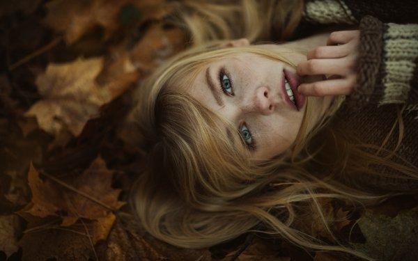 Women Face Woman Model Lying Down Leaf Blonde Blue Eyes HD Wallpaper | Background Image