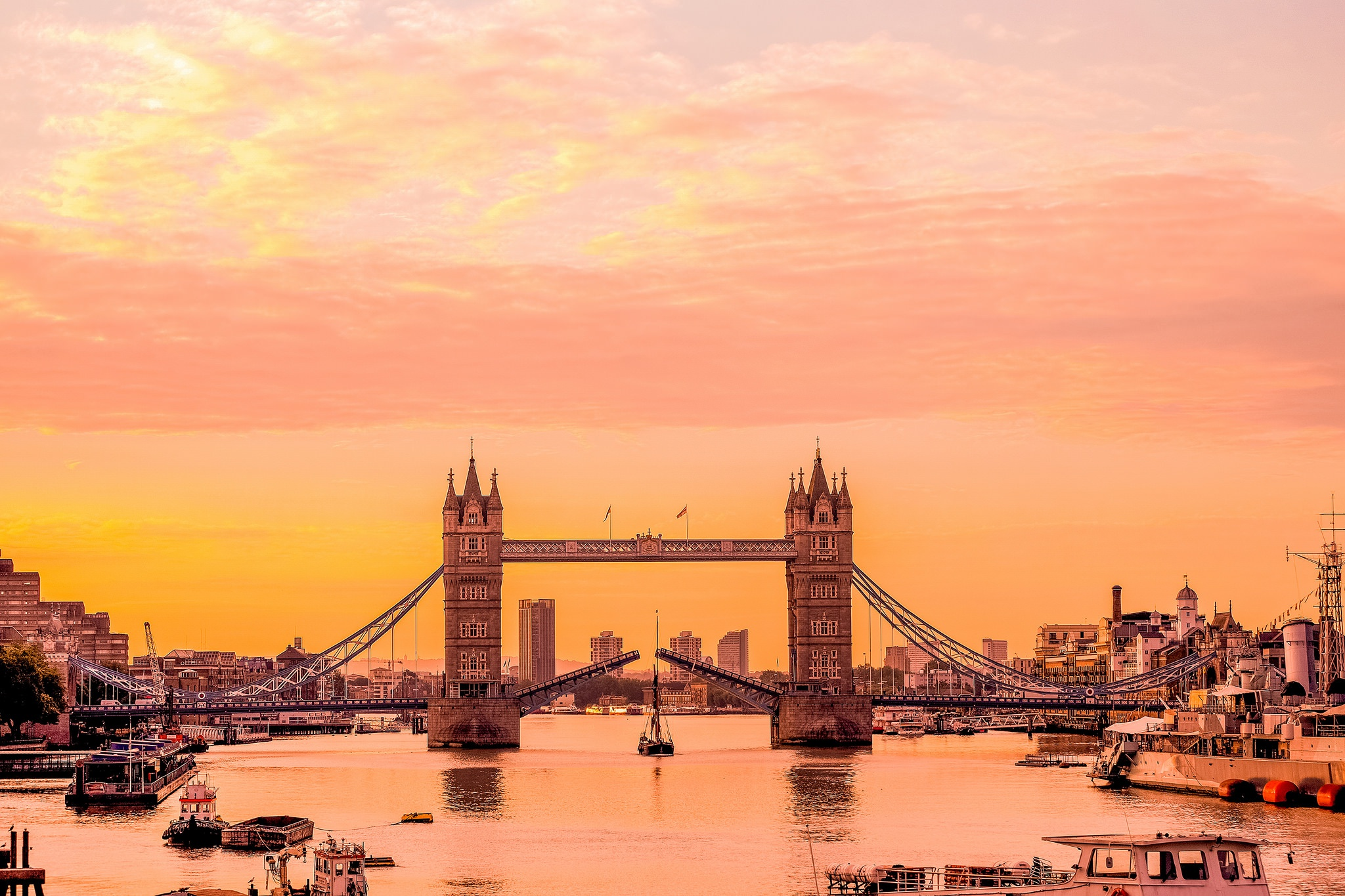 London Bridge Wallpapers Wallpaper
