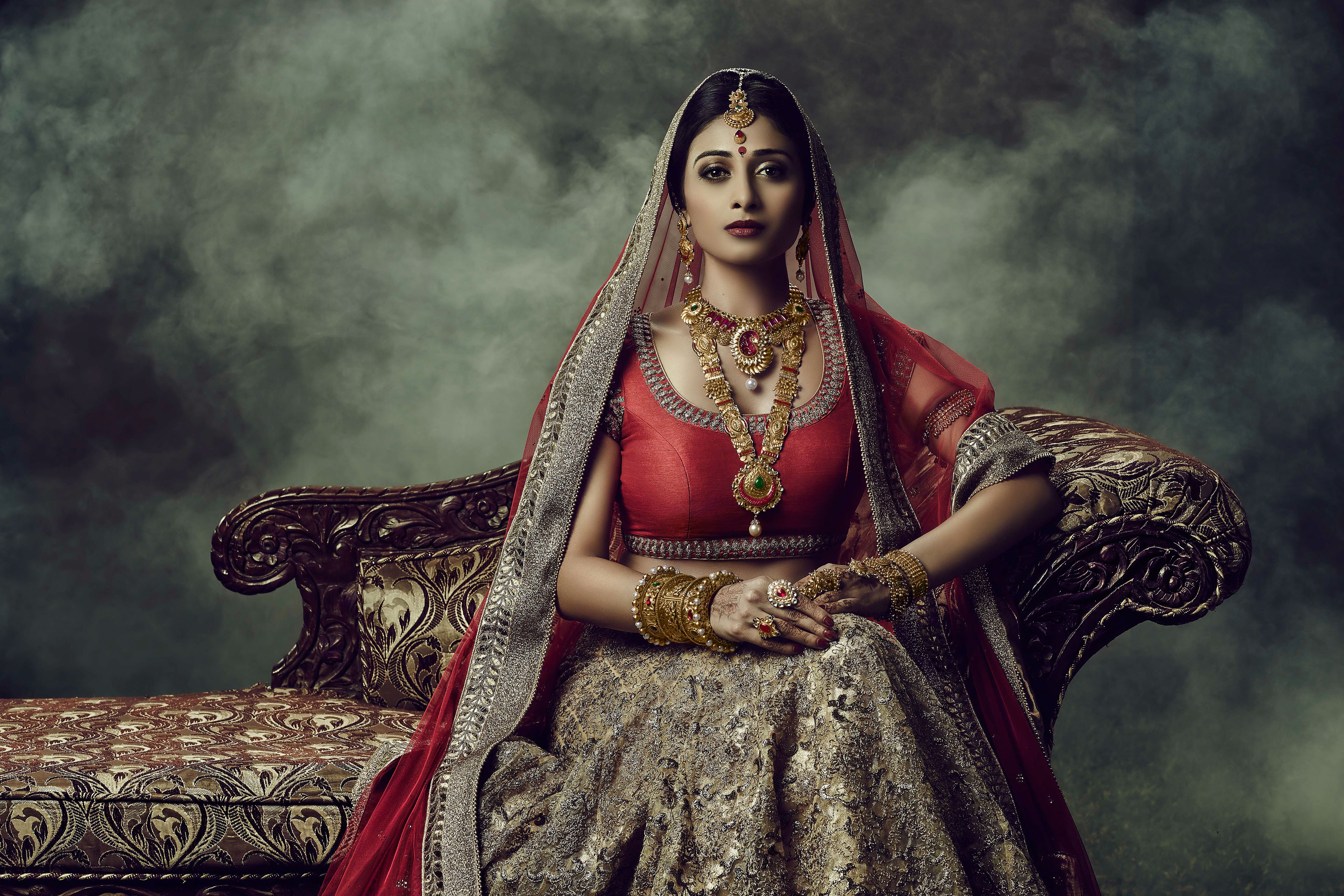 21 Saree HD Wallpapers | Background Images - Wallpaper Abyss