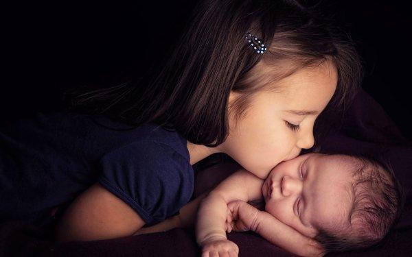 Fotografía Niño Chica Little Girl Bebé Parejas Kiss Lindo Fondo de pantalla HD | Fondo de Escritorio