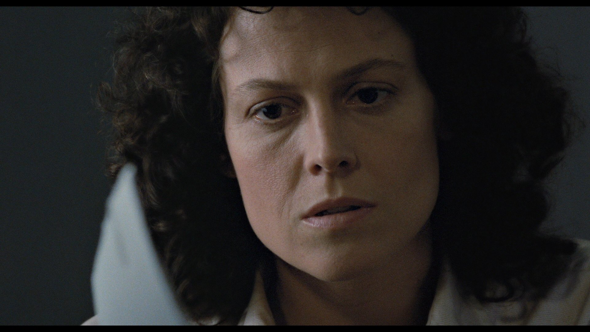 Movie - Aliens  Sigourney Weaver Wallpaper