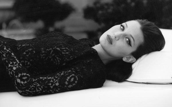 Celebrity Bella Hadid Models United States Model Woman HD Wallpaper   Background Image