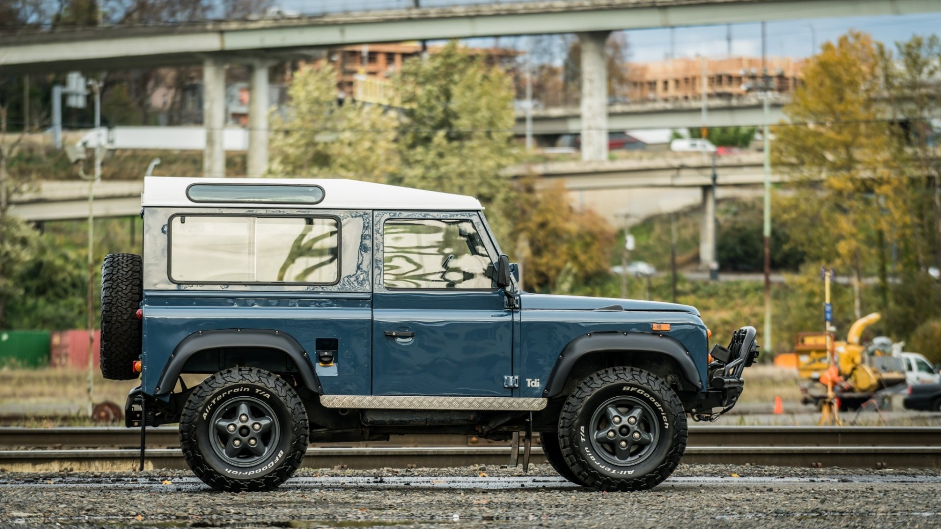 Vehicles - Land Rover Defender  Land Rover Defender 90 Off-Road Blue Car Old Car Car Wallpaper
