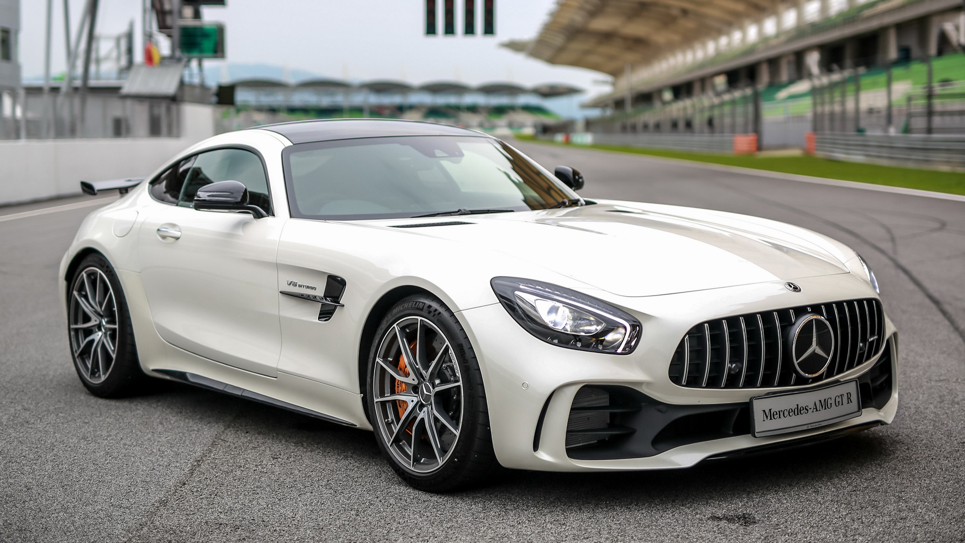 2017 Mercedes Amg Gt R Hd Wallpaper Background Image 1920x1080