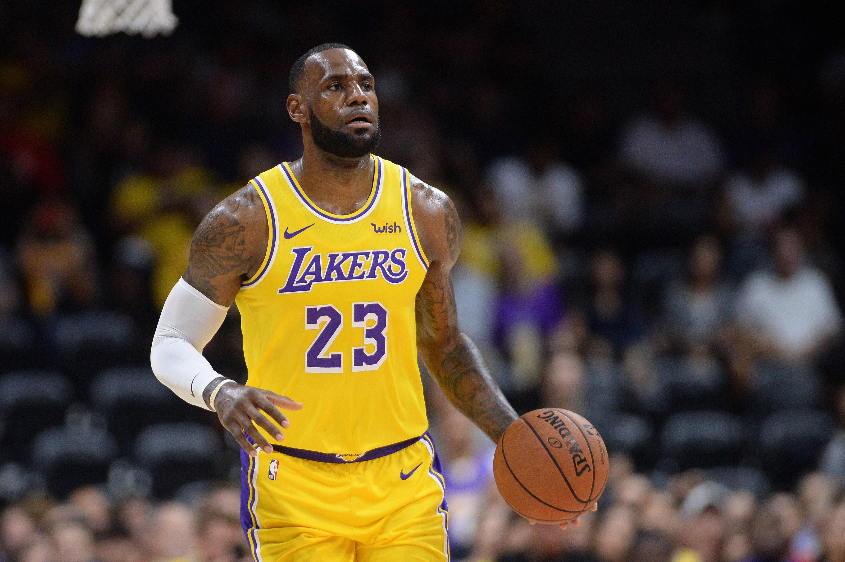 LeBron James - Los Angeles Lakers HD Wallpaper ...