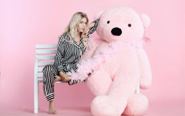 Music Aleyna Tilki Singers Turkey Turkish Singer Teddy Bear HD Wallpaper   Background Image