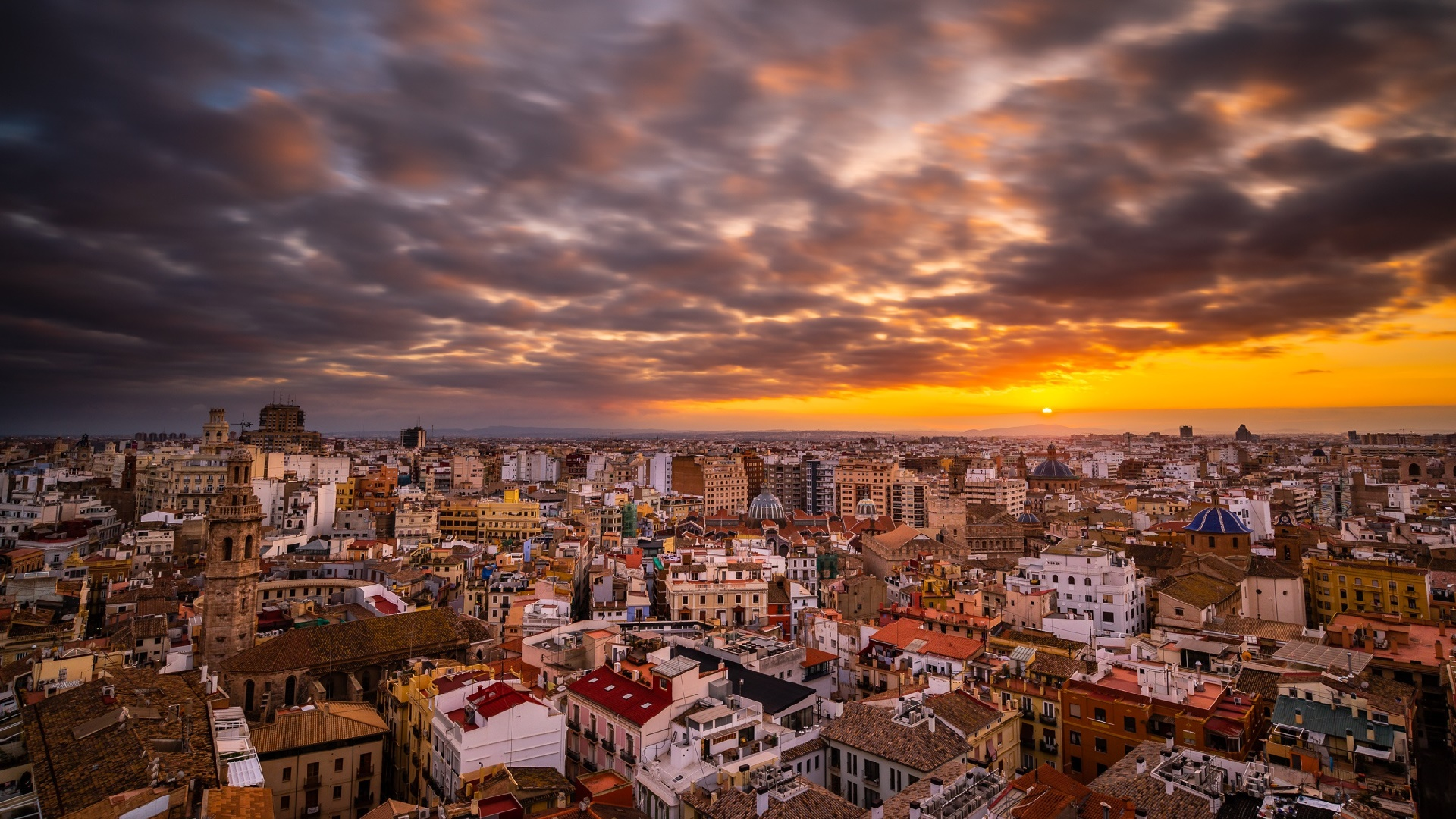 Cloudy Sunset Sky Over Valencia, Spain HD Wallpaper