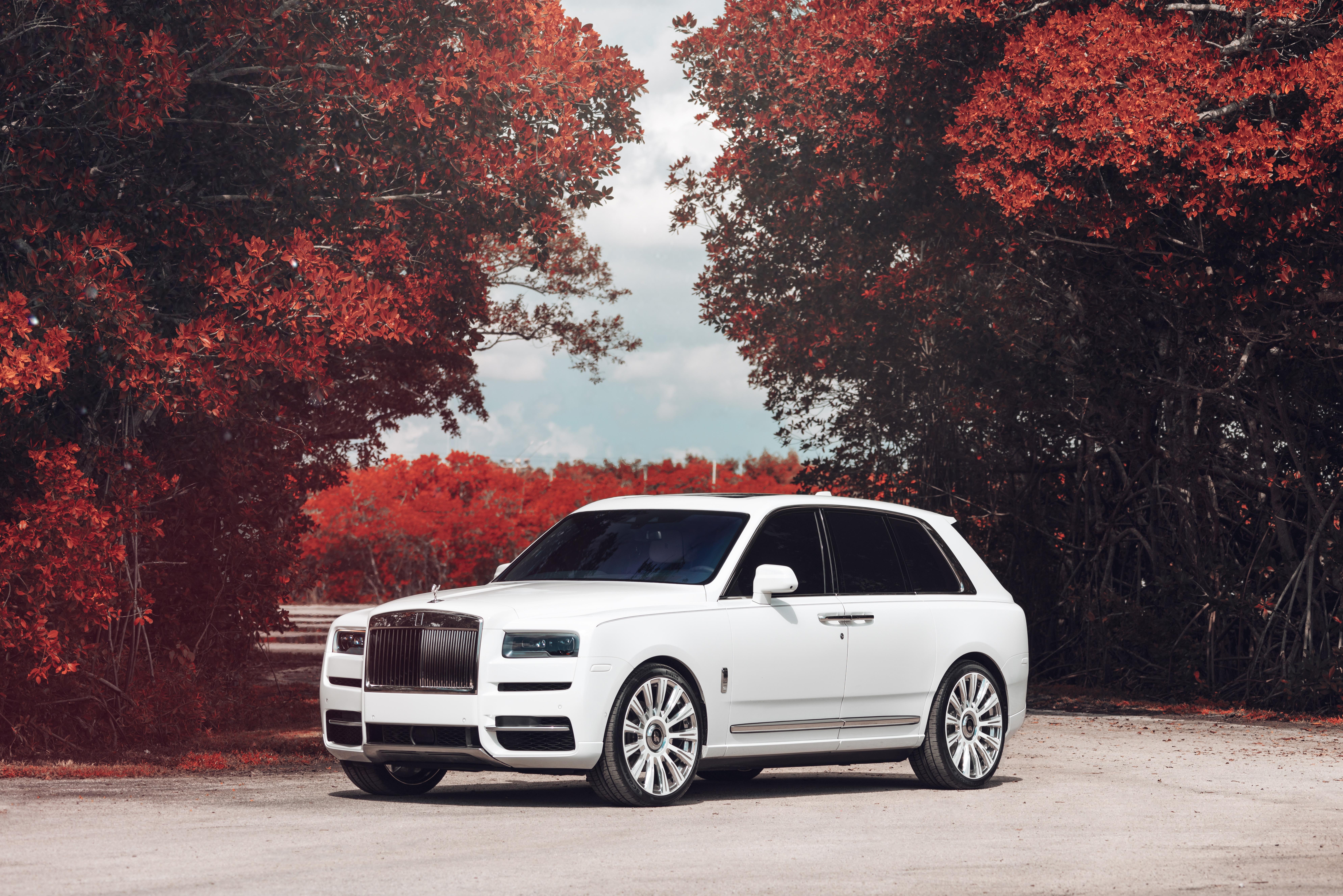 Rolls Royce Cullinan 8k Ultra Hd Wallpaper Background